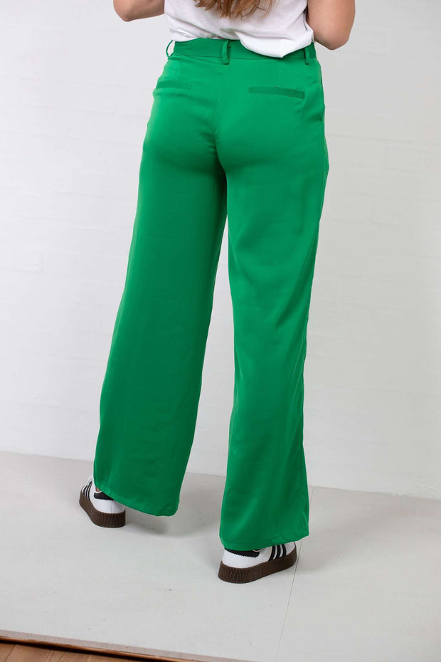 Flared Shiny Suit Pants Green fra NA-KD - 3