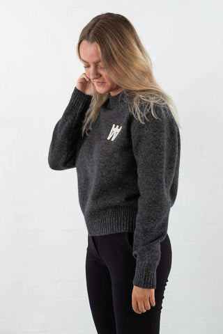 Anneli Sweater - Dark Grey Melange fra Wood Wood - fra siden