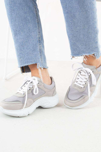 Light Grey Flex Sneaker fra Garment Project - front