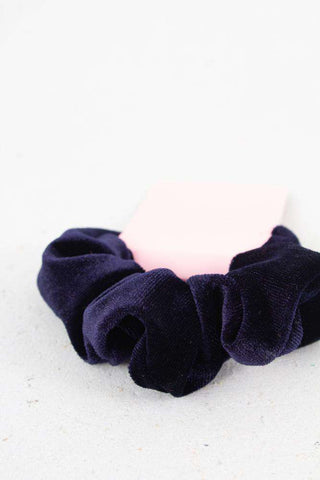 Small Velour Hair Elastic - Blue fra Sui Ava 1