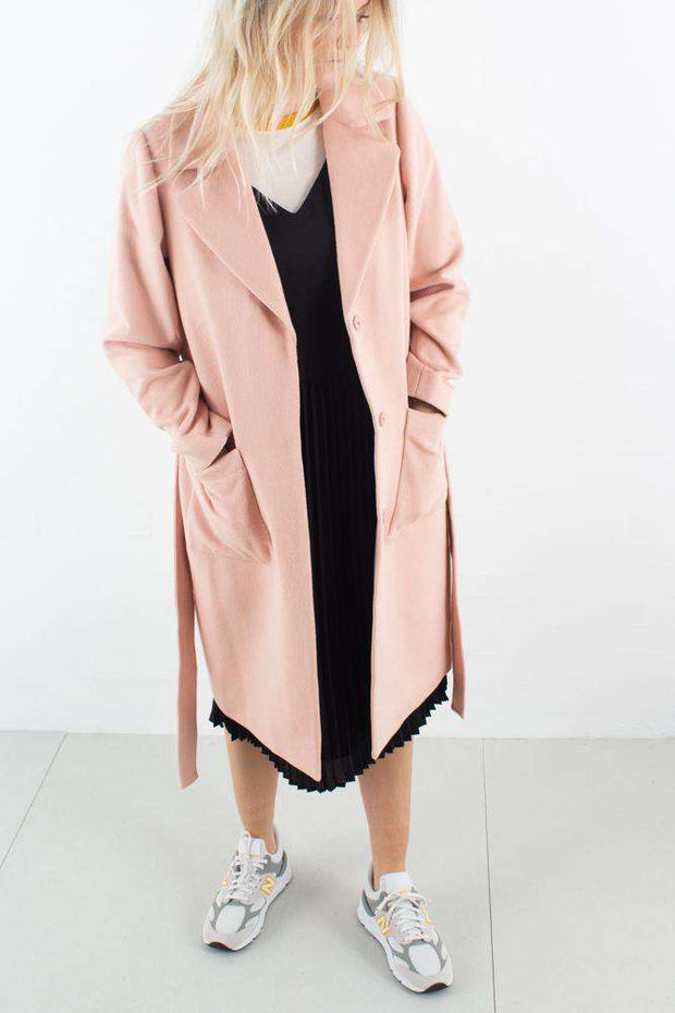 Athena Bolette Coat i Light Rose fra Bruuns Bazaar