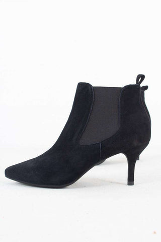 Agnete Chelsea Suede - Black fra Shoe the Bear