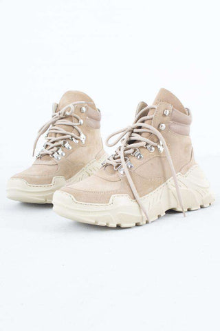 Zina Boot - Sand Suede fra Garment Project try