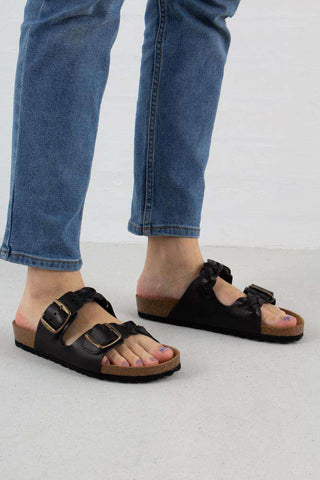 Cara Leather sandal i Black fra Shoe The Bear
