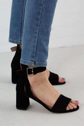 Black May Suede Sandal fra Shoe The Bear