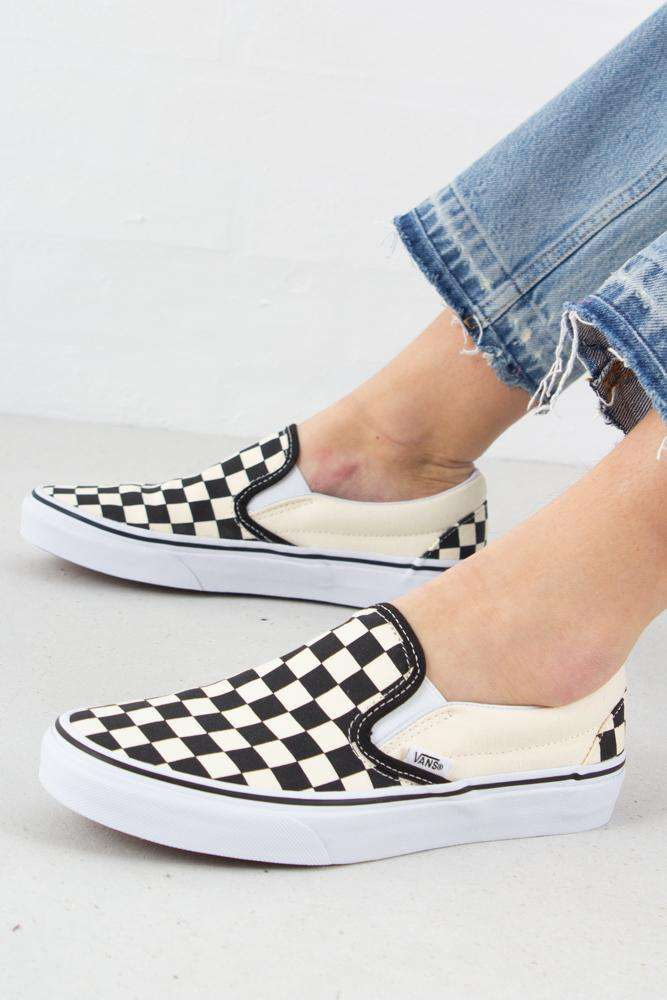 Classic Slip-On - Black/White - Vans - Sort 36