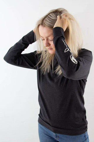 Halli Long Sleeve i Dark Grey Melange fra Wood Wood