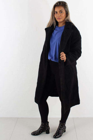 Big Collar Teddy Coat Black fra NA-KD - front