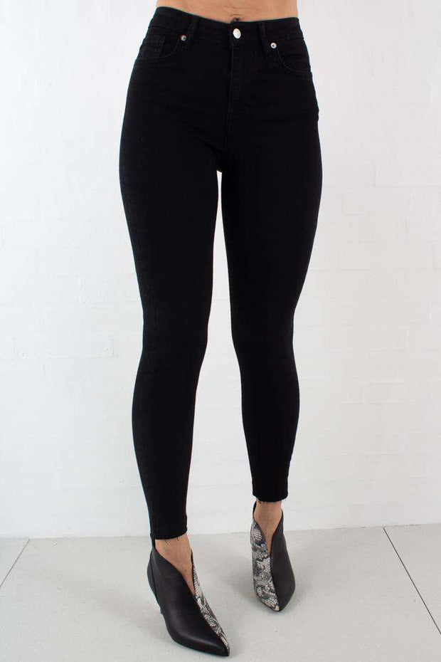 Skinny High Waist Raw Hem Jeans - Black - NA-KD