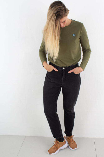 Moa Long Sleeve - Green fra Wood Wood - outfit