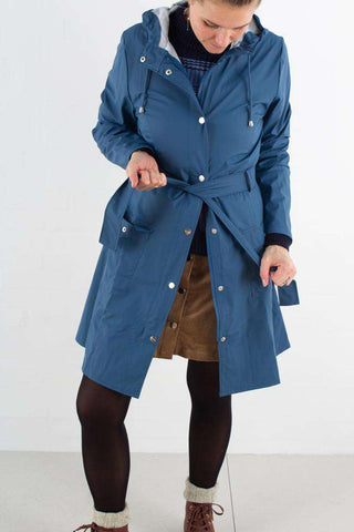 Curve Jacket - Faded blue fra Rains Journal