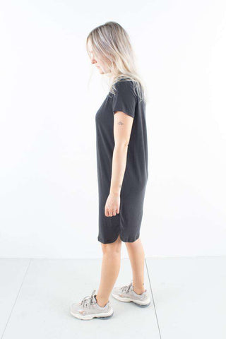Larah Black Sort T-shirt Kjole Minimum