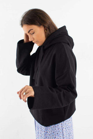 Tiala sweatshirt I Black fra Moves By Minimum Sweatshirt