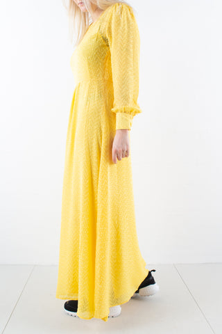 Zilke Luzia Dress i Peachy Yellow fra Bruuns Bazaar