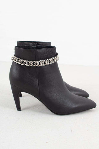 Vanessa Chain L sort fra Shoe the bear