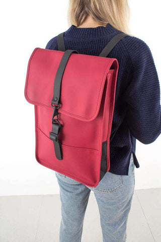 Backpack Mini - Scarlet/rød fra rains Journal