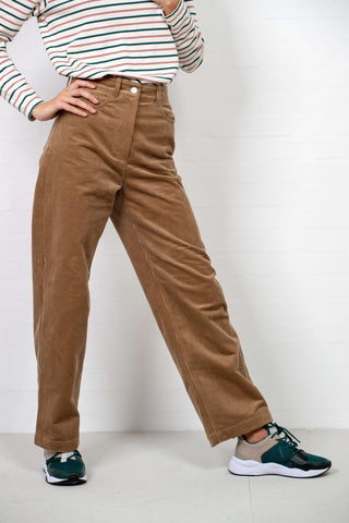 Althea Trousers fra Wood Wood - outfit