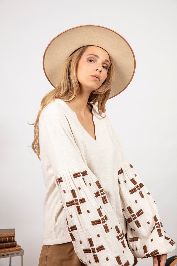 AMBRE TOP OFF WHITE / BROWN EMBROIDERIES
