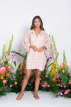 FLORINE SHORT EYELET BLUSH