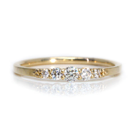 Yellow Gold Graduating Diamond Ring