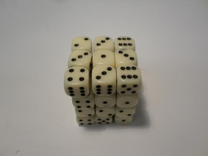 36 x d6 Opaque Ivory/Black
