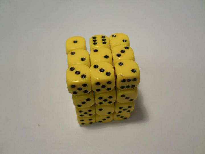 36 x d6 Opaque Yellow/Black