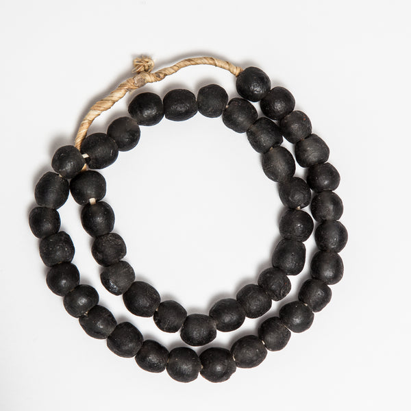 Hom & Co | Black recycled glass beads