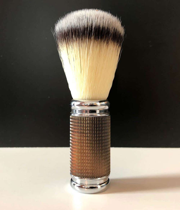 "Pearl Shaving - ""Dotted Gold+Black"" Syntetisk bust"