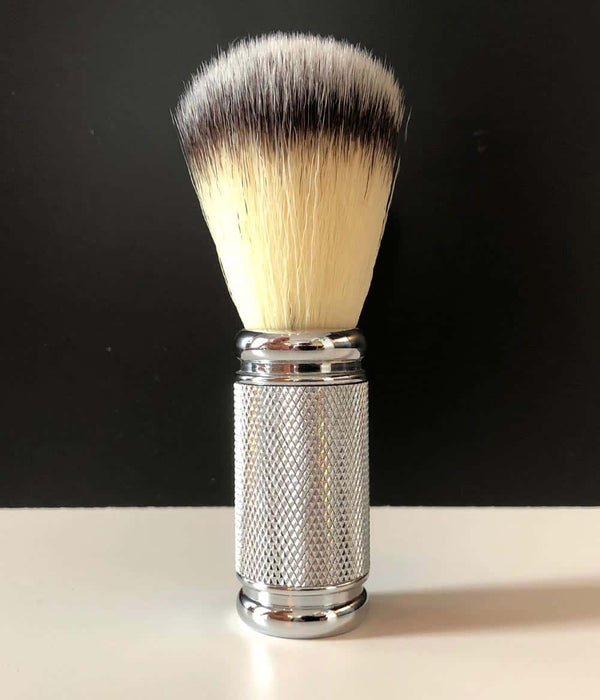 "Pearl Shaving - ""Dotted Chrome"" Syntetisk bust"