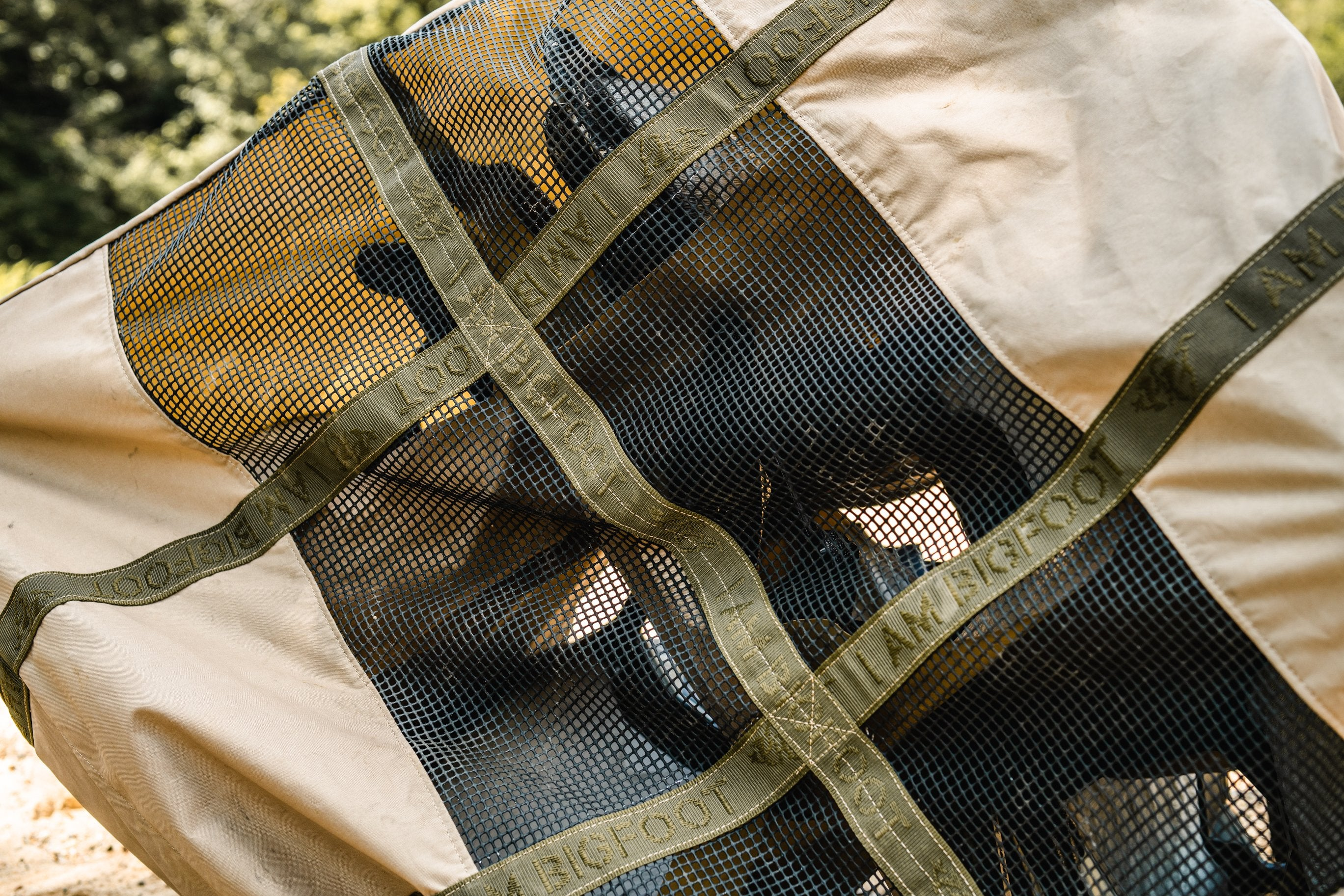 B2™ 6 Field 6-Slot Decoy Bag Bottom Detail
