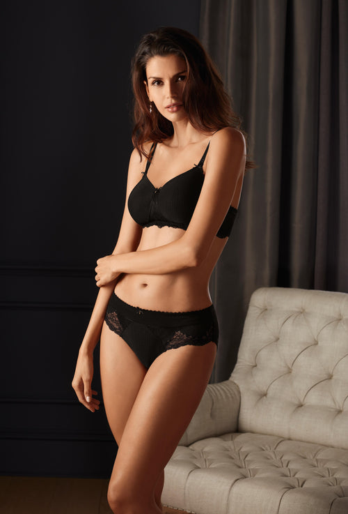 Aurelie Slightly Padded Wirefree Bra (Black)