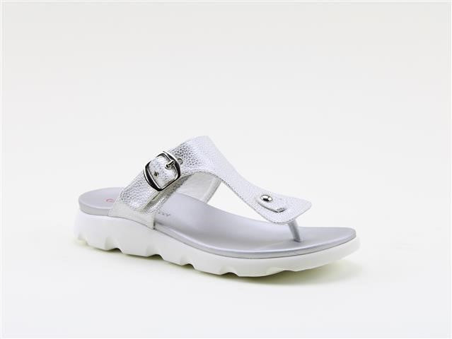 Heavenly Feet Layla White/Silver Women's Casual Stylish Toe Post Sandals