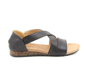 Heavenly Feet Estelle Black Womens Casual Comfort Sandals