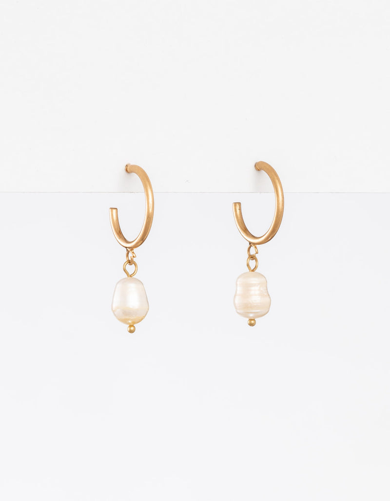 Stella+Gemma fresh water pearl earrings