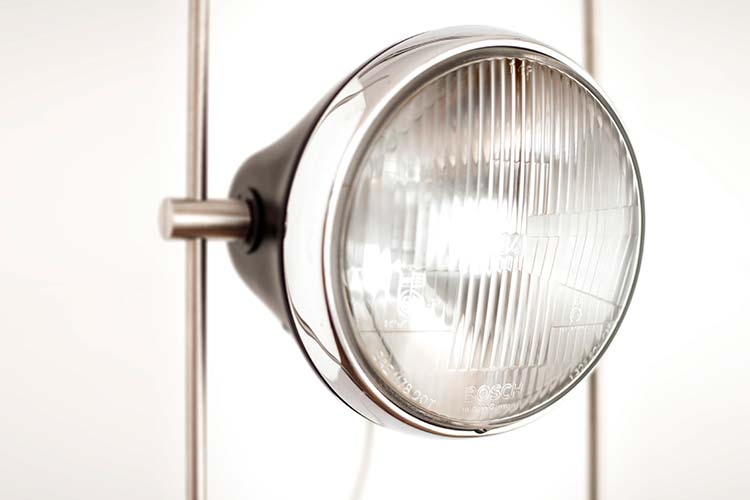 Halley R Lamp front glass