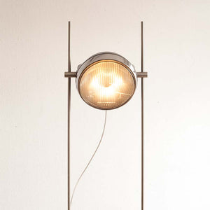 Halley R Floor Lamp front view