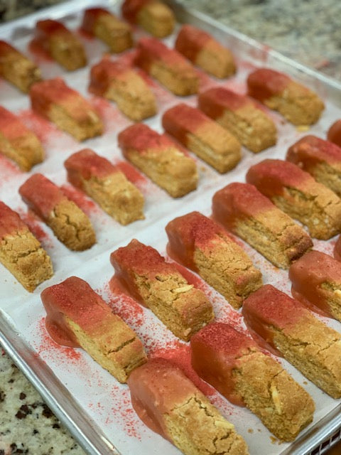 Chocolate Strawberry Dipped Biscotti, Single