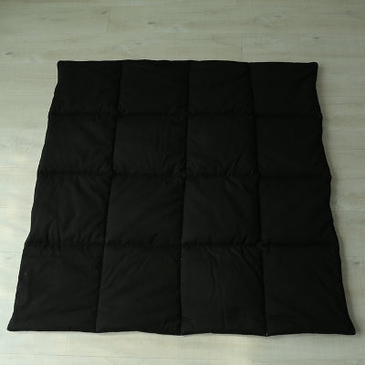 Dual Sided Square Mat in Black and White