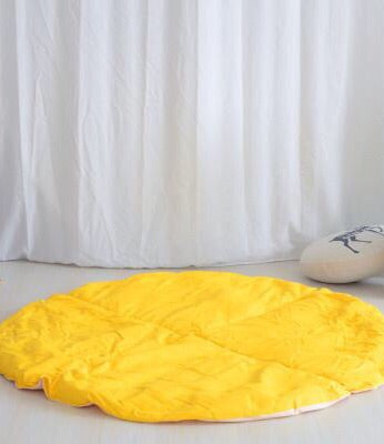 Dual Sided Round Mat in Yellow and White