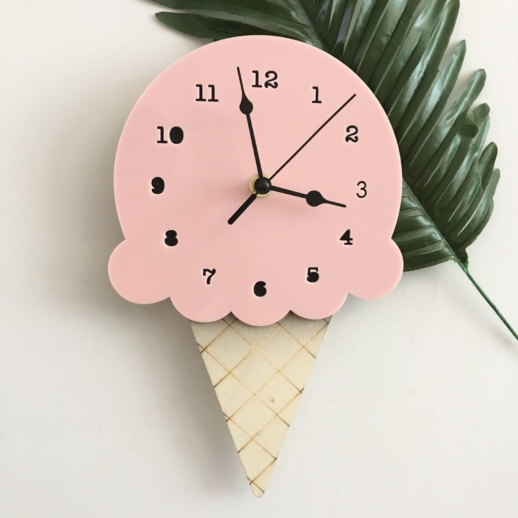Ice Cream Clock in Strawberry