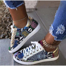 Load image into Gallery viewer, Women Snake Printing PU Leather Vulcanized  Lace up Sneakers