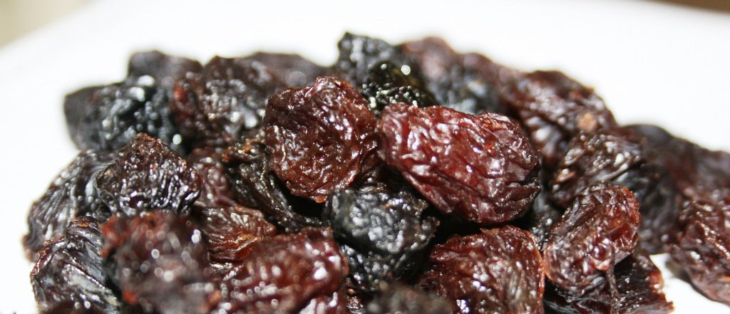 30 lbs of Organic Jumbo Flame Raisins