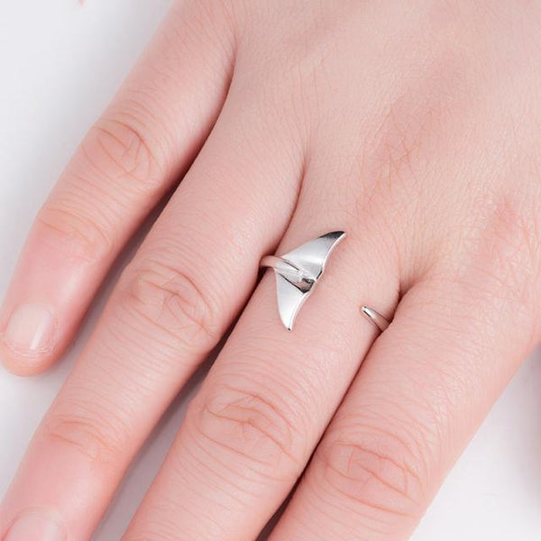 Whale Tail Ring