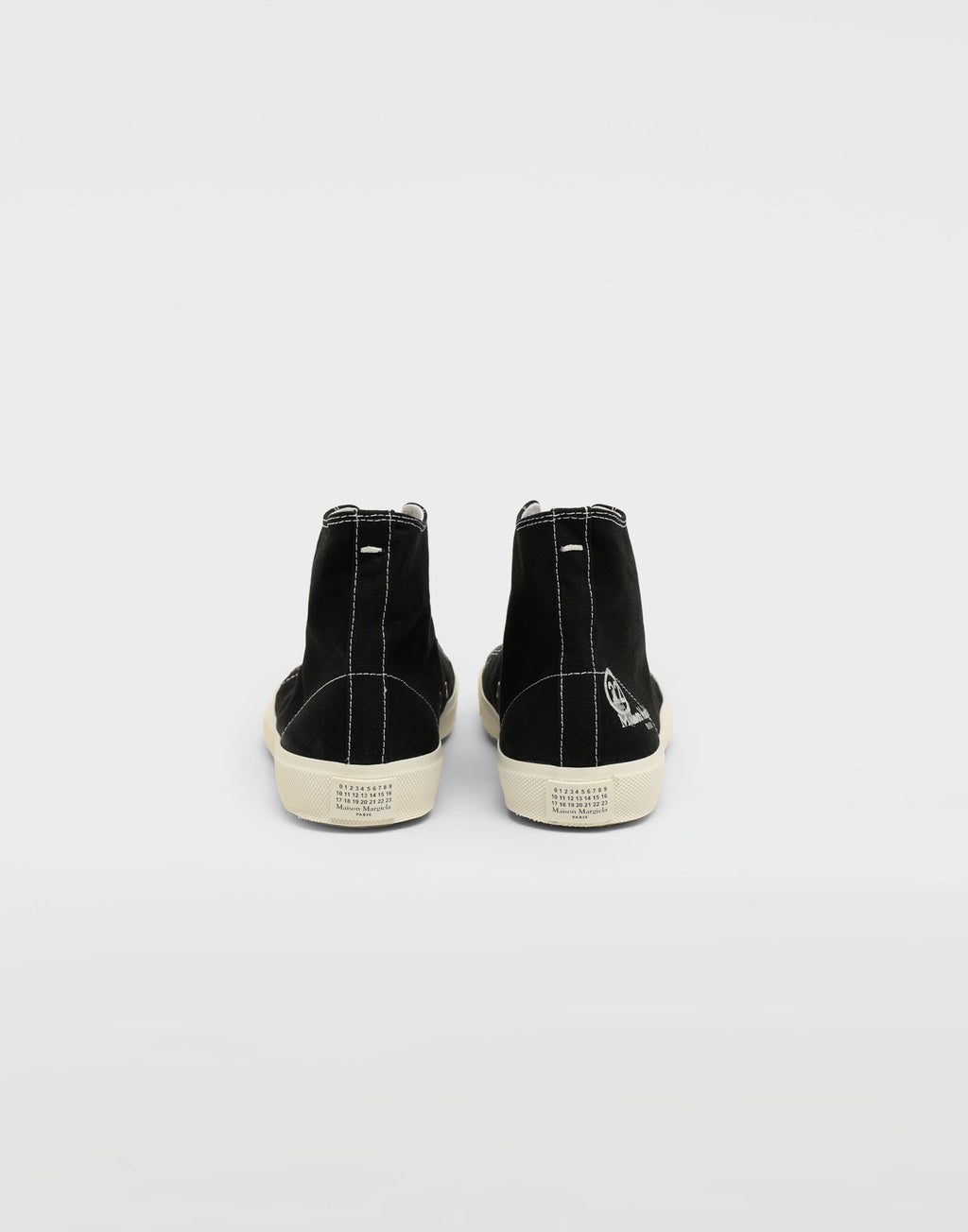 MAISON MARGIELA MEN HIGH TOP TABI SNEAKER
