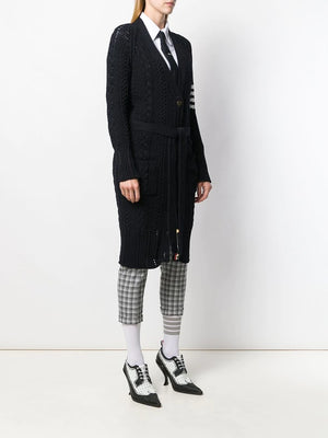 THOM BROWNE WOMEN ARAN CABLE CLASSIC RAGLAN SLEEVE LONG V NECK CARDIGAN IN COTTON CREPE WITH 4 BAR