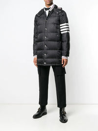 THOM BROWNE MEN DOWNFILLED 4 BAR SNAP FRONT DETACHABLE HOOD COAT IN MATTE FINISH NYLON