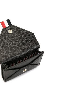 THOM BROWNE ENVELOPE CARD HOLDER WITH CHAIN IN PEBBLE GRAIN