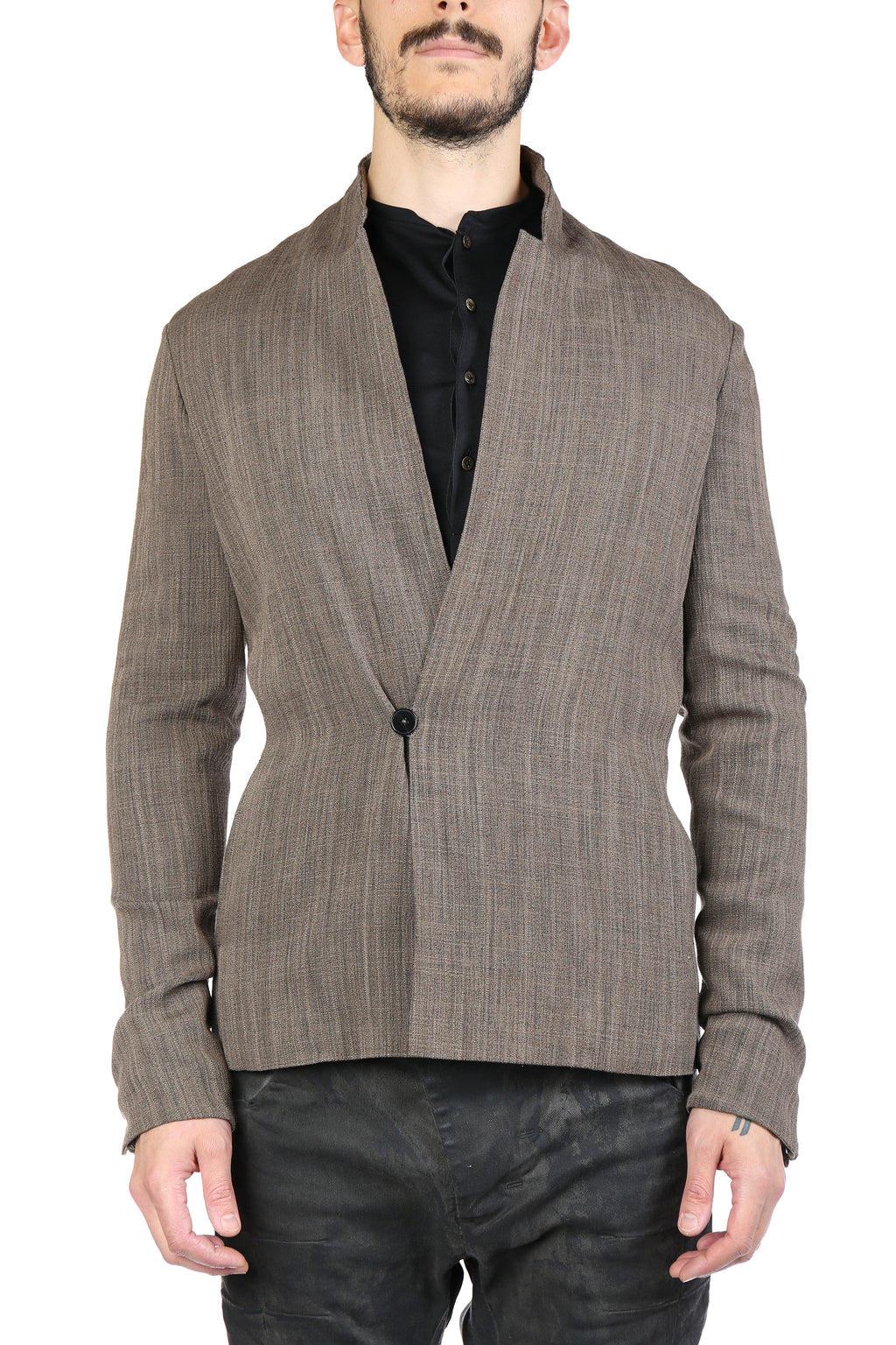 MA+ MEN VERTICAL POCKET FITTED JACKET