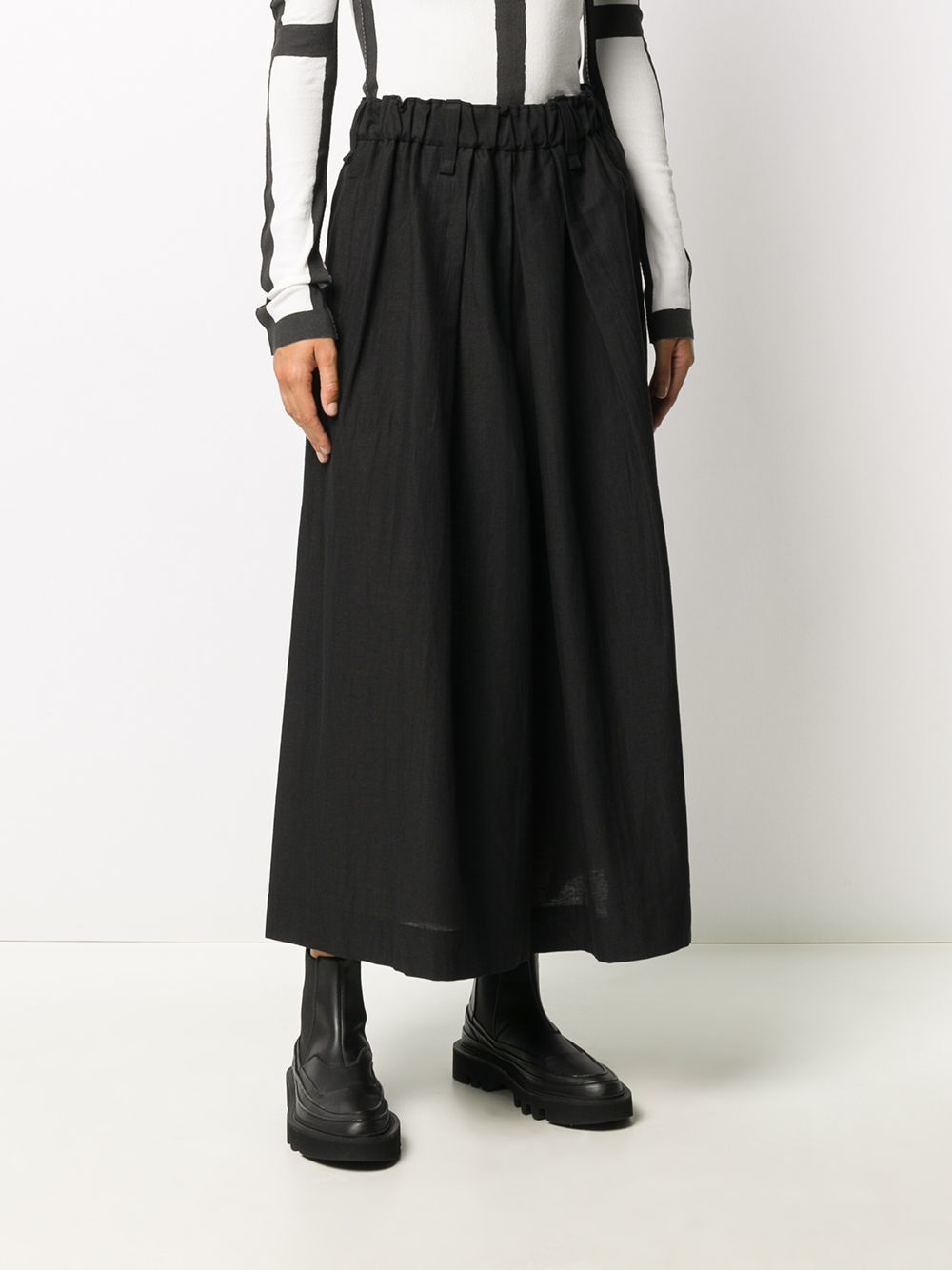ISSEY MIYAKE WOMEN PAPER LIKE TRICOT WIDE PANTS