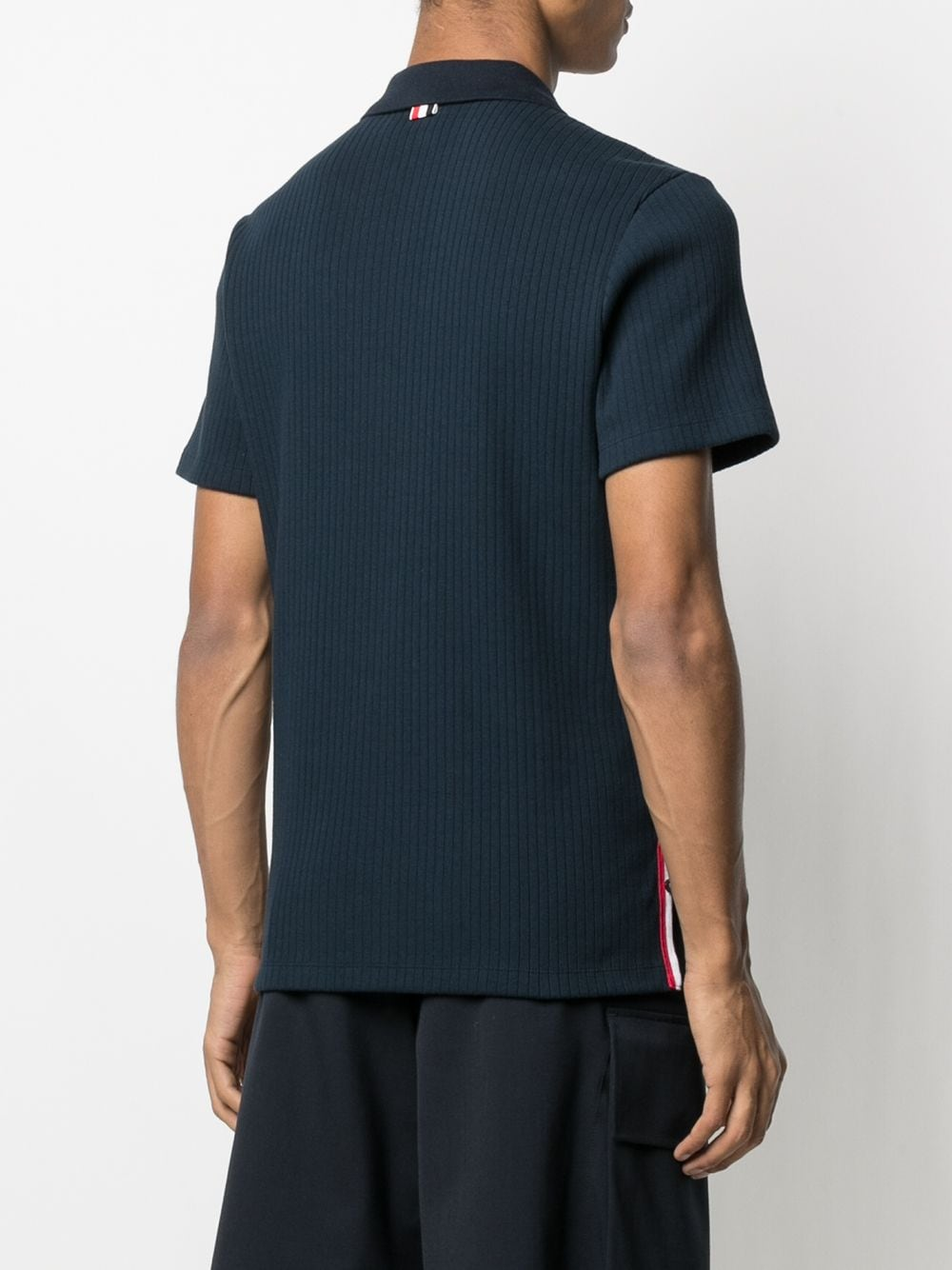 THOM BROWNE MEN SHORT SLEEVE POLO W/ 4 BAR COLLAR IN 5X2 RIB